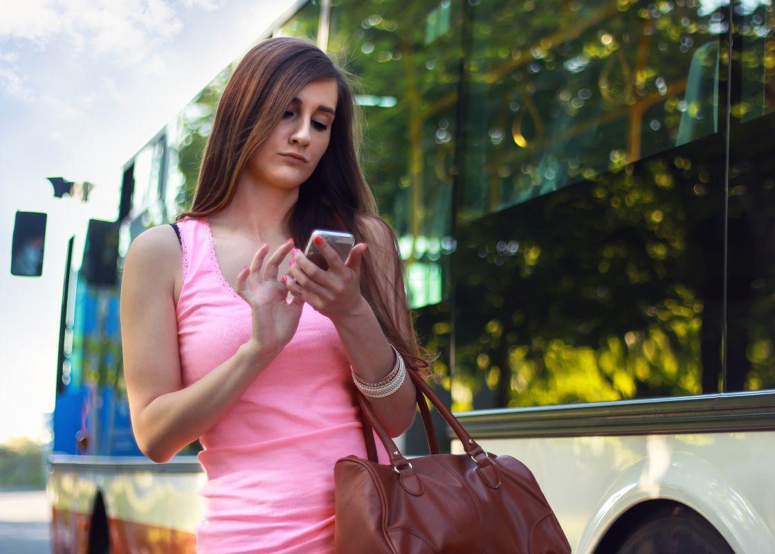 Seks za darmo z młodą pięknością w autobusie